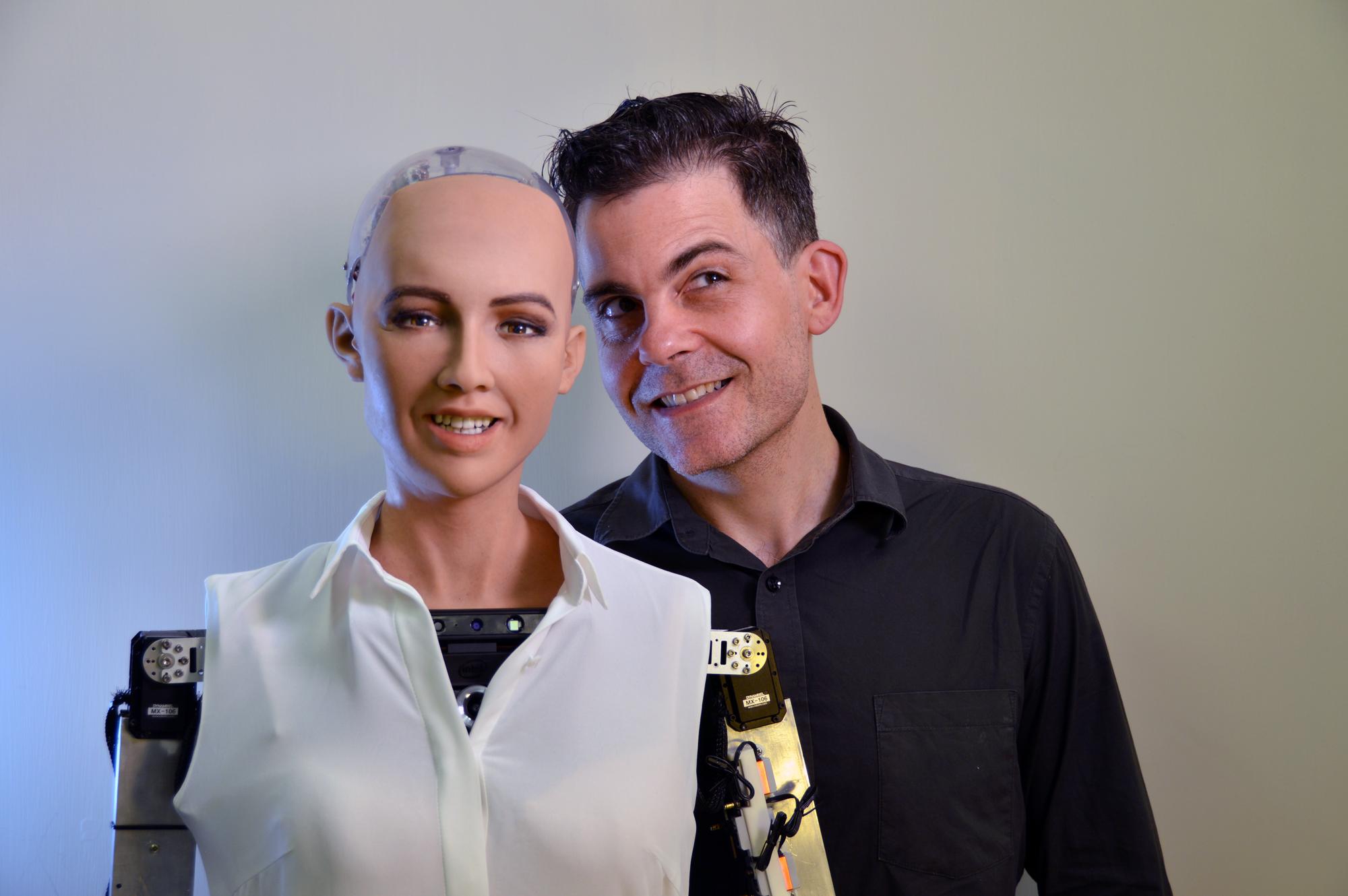 Robotten Sophia åbner VL Døgnet!